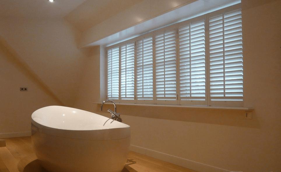 shutters op maat badkamer