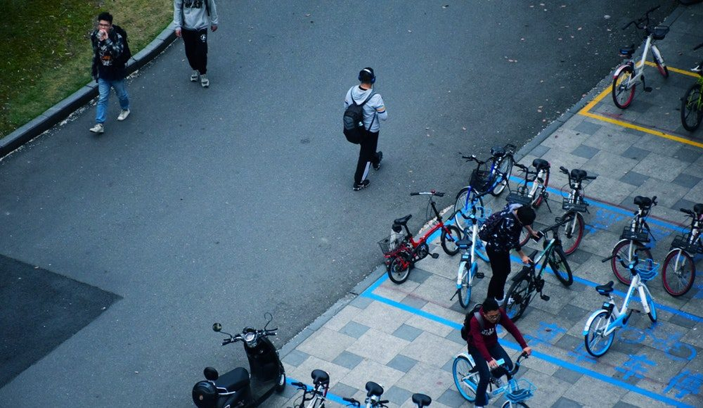 Ook steeds meer scholieren rijden op de elektrische fiets